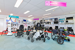 bastide le confort médical le-mans spécialiste handicap mobilité fauteuil roulant